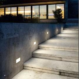 Vibia plus home design idea for Spot design exterieur